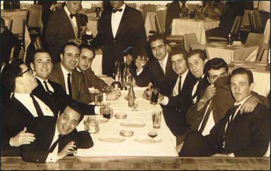 This photograph was taken in a nightclub in Mexico City on 22nd January, 1963. It has been argued by Daniel Hopsicker, author of Barry and the Boys: The CIA, the Mob and America's Secret History, that the men in the photograph are all members of Operation 40. Hopsicker suggests that the man closest to the camera on the left is Felix Rodriguez, next to him is Porter Goss and Barry Seal. Hopsicker adds that Frank Sturgis is attempting to hide his face with his coat. It has been claimed that in the picture are Albertao 'Loco' Blanco (3rd right) and Jorgo Robreno (4th right).