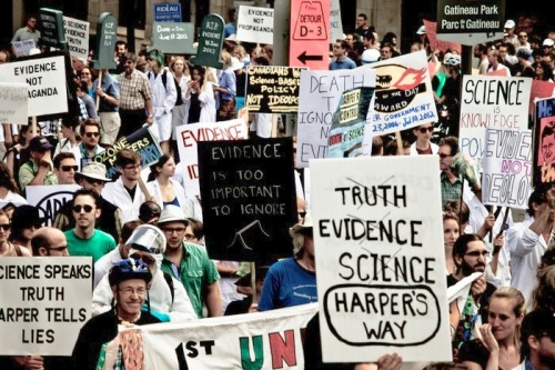 Scientists rally on Parliament Hill, July 10, 2012, against Harper government's attacks  on their research and natural environment.