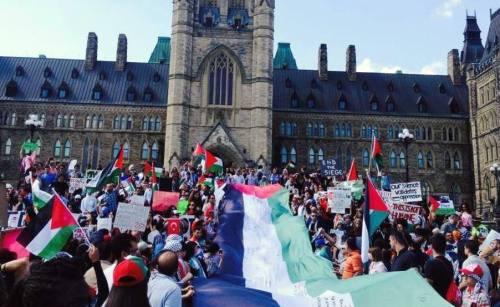 Mass demonstration on Parliament Hill, Ottawa, on July 12, 2014