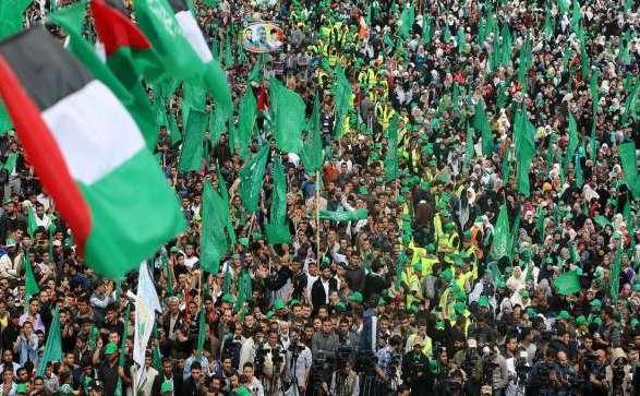 HamasflagsMassRally-gazacr2