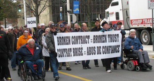 2013.11.06.FrederictonNBPensionProtests-PensionCoalitionNB-01