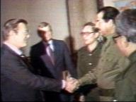 1983.12.23.Saddam_rumsfeld