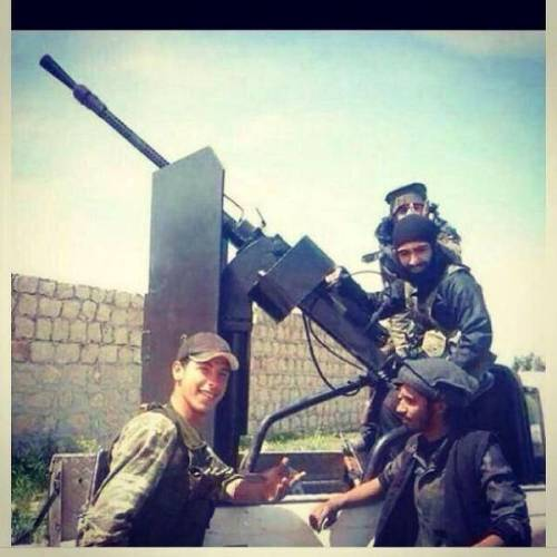 Turkish army is posing with ISIS after delivering weapons and ammunition.