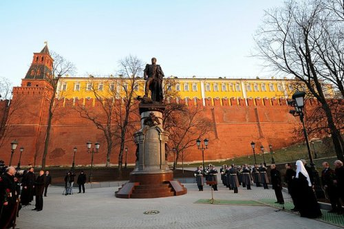 Unveiling monument to Alexander I in Moscow on November 11, 2014 | Presidential Press & Information Office