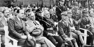 MacKenzie King and Nazi high command, Berlin, 1937