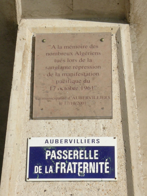 A memorial plaque for Algerians killed on 17 October 1961 by Parisian police officers who were acting under orders of the Prefect of Police, Maurice Papon | Wikipedia (Click to enlarge)