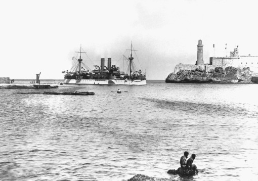 The USS Maine entering Harbour of Havana. January 1898, where the ship would explode three weeks later. On the right is the old Morro Castle fortress | U.S. Dept. of Defense (Click to enlarge)