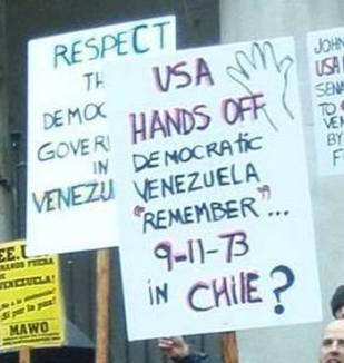 2014.02.22.VancouverVenezuelaSolidarityDemo-FrenteparalaDefensaHugoChavez-01crop