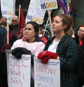 Nova Scotia nurses picket in defence of their rights and the safety of patients, April 3, 2014.