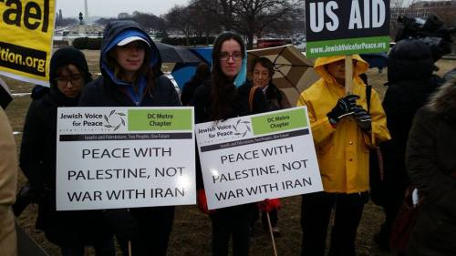 Americans protest against Benjamin Netanyahu's speech to the US Congress.