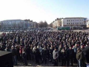 Coal miners block Lviv-Kovel interregional highway in Northwestern Ukraine in March