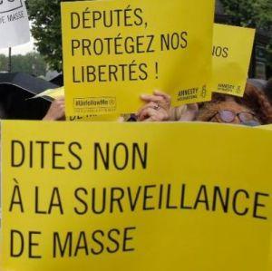 150504-FranceParisProtestSurveillanceLaws-01