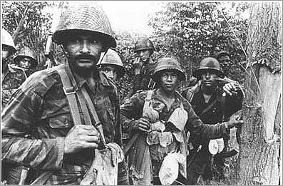 Cuban and Angolan soldiers at the front