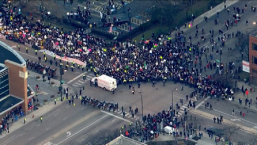 Anti-Trump rally draws 10,000 protesters at the University of Illinois | CodePink