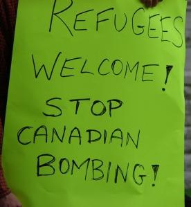 150913-OttawaRefugeesWelcome-04