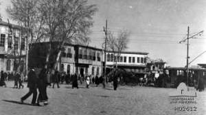Busy city square of Damascus, 1918