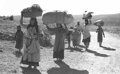 Palestinians driven out of GalilŽe by the Zionists head towards Lebanon in October 1948