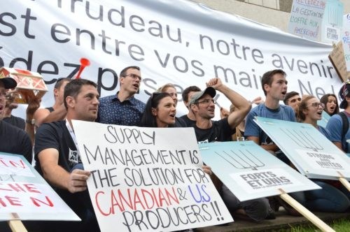 2018.09.06.MontrealDairyFarmersProtest-NAFTANegot-BProulx