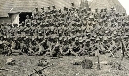 1915-FranceIndianTroopsGurkasCr