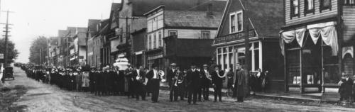 1918-0802-GingerGoodwinFuneralCumberlandBC