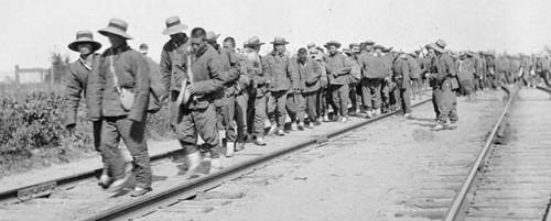 WWI-Petawawa-chineseLabourersonroutetoFrance-Lib&ArchCanada-01