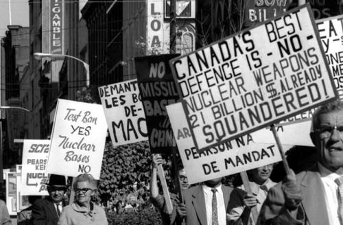 1963-Ottawa-AntiNuclearWeaponsDemo-01