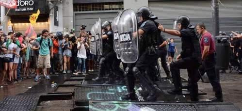2018.11.23-ArgentinaBuenosAires-G20StudentProtests-Crimethinc-01cr