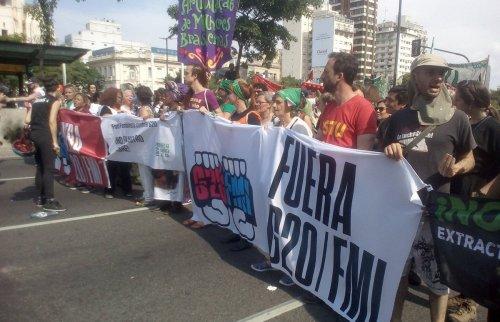 2018.11.30-ArgentinaBuenosAires-G20Protest-NoG20Intl-01cr