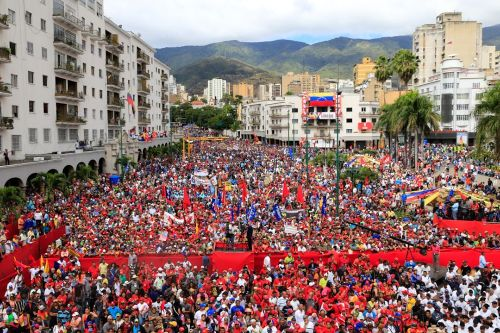 2019.01.23.venezuelans in the streets the morning of jan. 23 in support of president nicolas maduro.