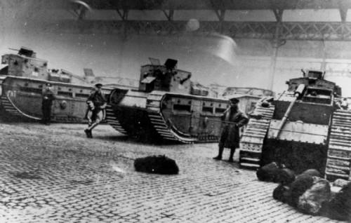 1919_battle_of_george_square_mediummarkctanks_and_soldiers-glasgowcattlemarketgallowgate
