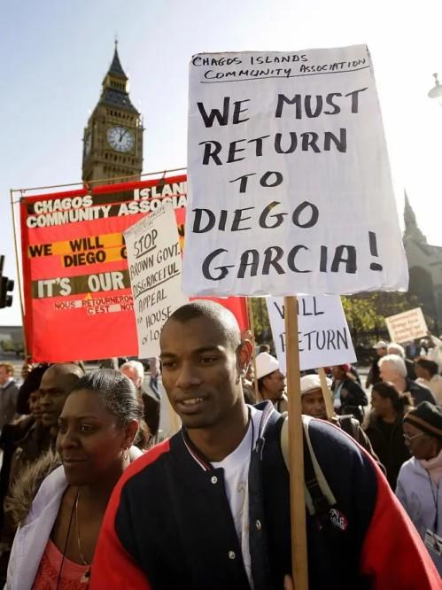 2008.10.22-UKLondon-ChagosIslandsDemo-01