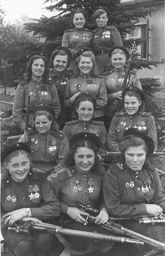 1945.05.09.Red Army female snipers in Berlin