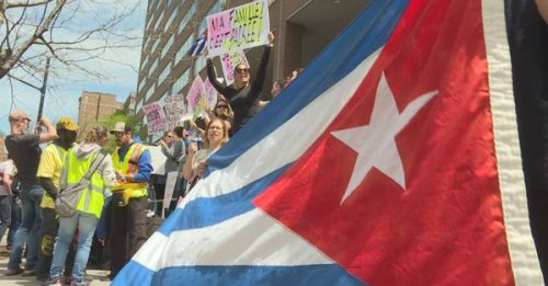 2019.05.25.Montreal protest v Canada:cuba